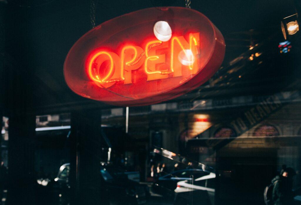 que hacer en la apertura de un restaurante